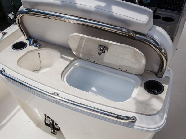 2020 Boston Whaler boat for sale, model of the boat is 270 Dauntless & Image # 23 of 40