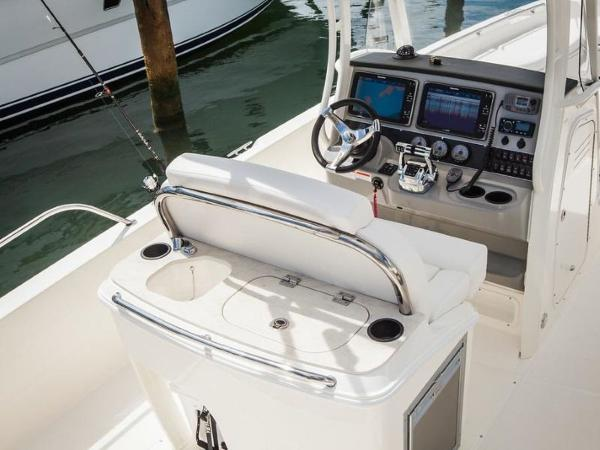 2020 Boston Whaler boat for sale, model of the boat is 270 Dauntless & Image # 38 of 40