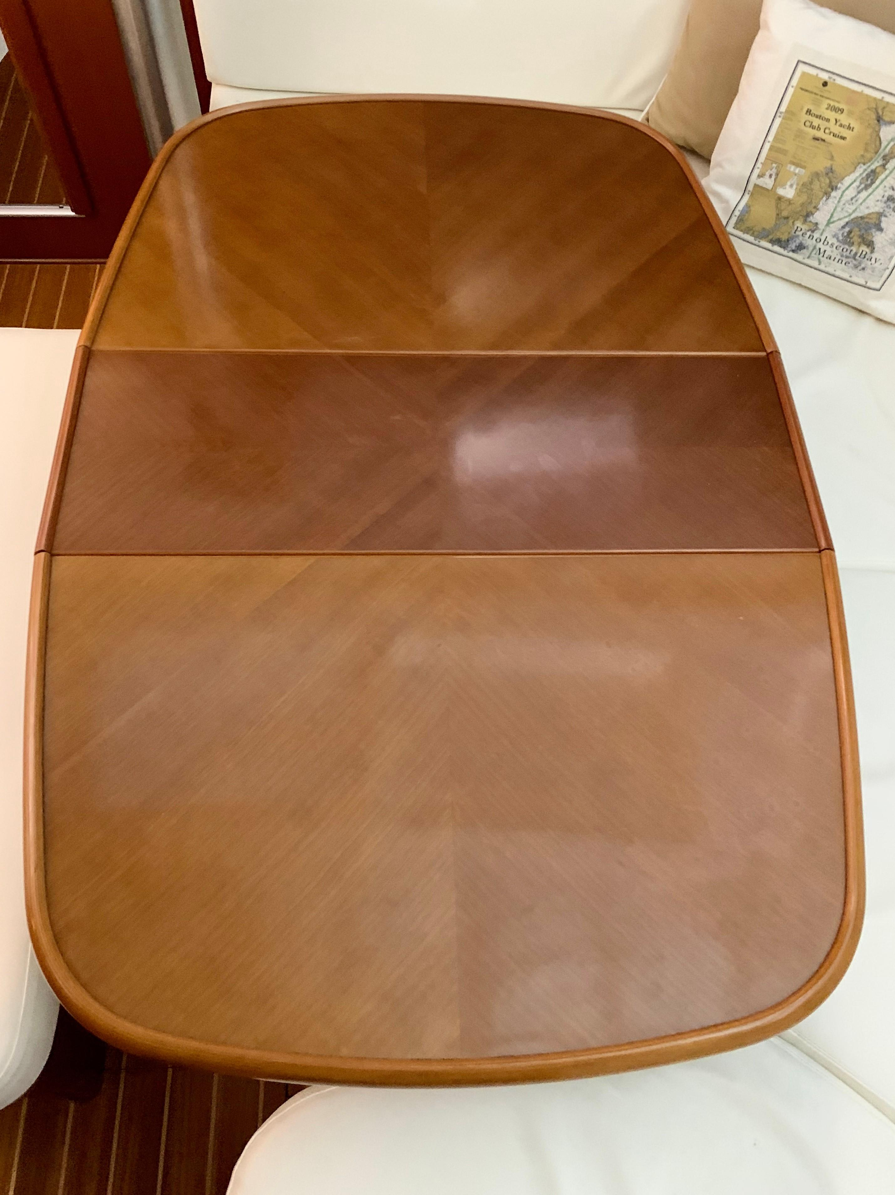 42 ft Beneteau 423 Salon table with leaf