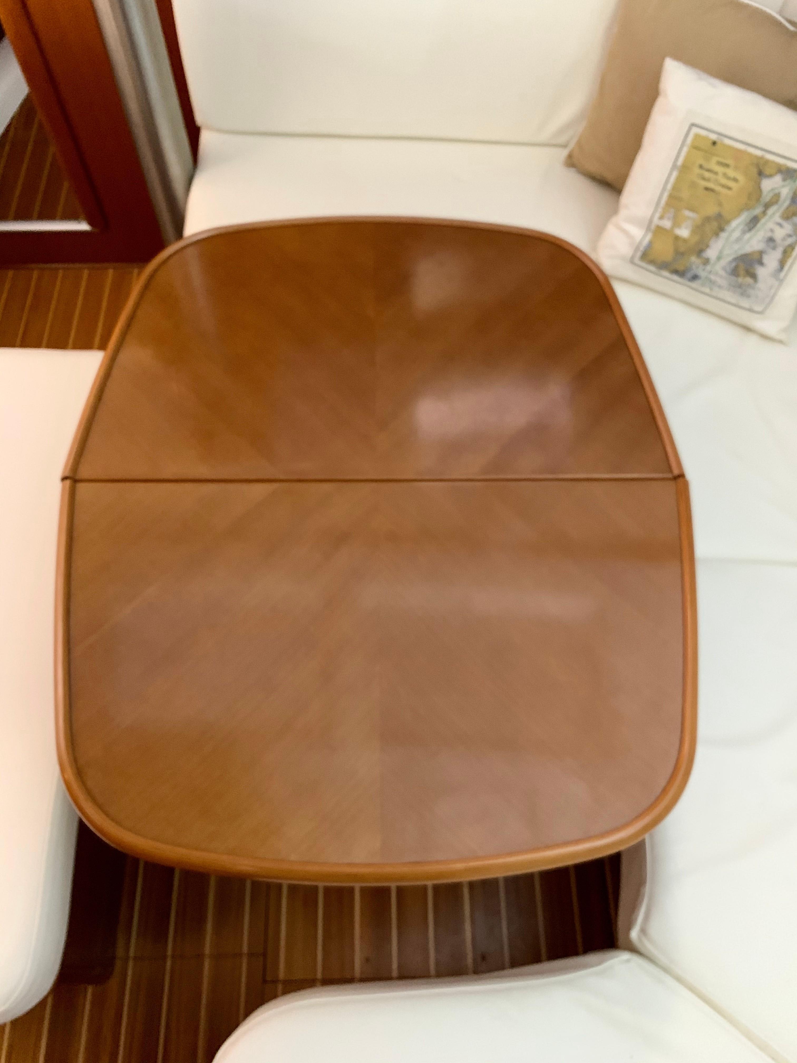 42 ft Beneteau 423 Salon table without leaf
