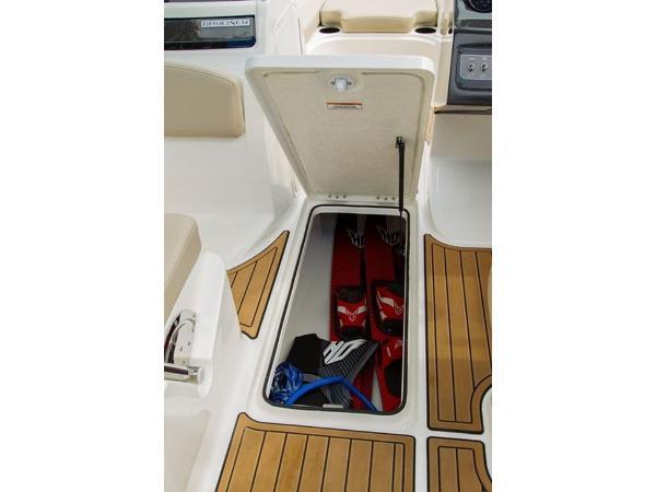 2020 Bayliner boat for sale, model of the boat is VR6 Bowrider & Image # 3 of 53