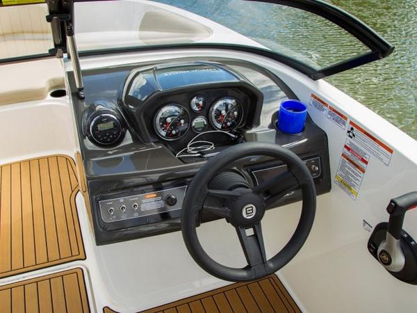 2020 Bayliner boat for sale, model of the boat is VR6 Bowrider & Image # 4 of 53