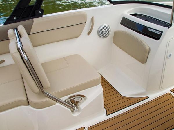 2020 Bayliner boat for sale, model of the boat is VR6 Bowrider & Image # 6 of 53