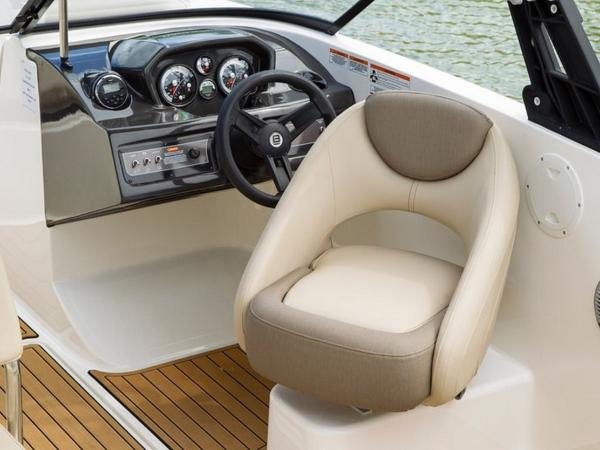 2020 Bayliner boat for sale, model of the boat is VR6 Bowrider & Image # 15 of 53