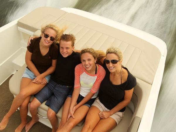 2020 Bayliner boat for sale, model of the boat is VR6 Bowrider & Image # 23 of 53