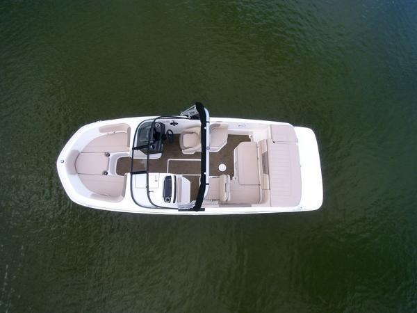 2020 Bayliner boat for sale, model of the boat is VR6 Bowrider & Image # 30 of 53