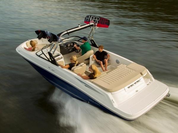 2020 Bayliner boat for sale, model of the boat is VR6 Bowrider & Image # 33 of 53