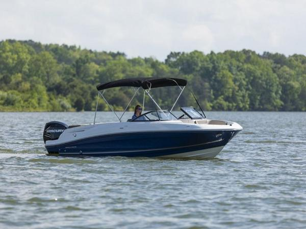 2020 Bayliner boat for sale, model of the boat is VR6 Bowrider & Image # 37 of 53