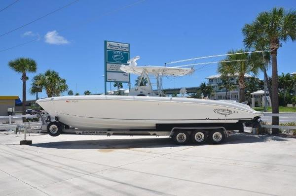 2007 37' Spectre 37 Center Console- Diesel