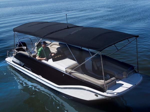 2020 Bayliner boat for sale, model of the boat is Element XR7 & Image # 2 of 43