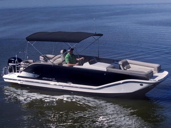 2020 Bayliner boat for sale, model of the boat is Element XR7 & Image # 3 of 43