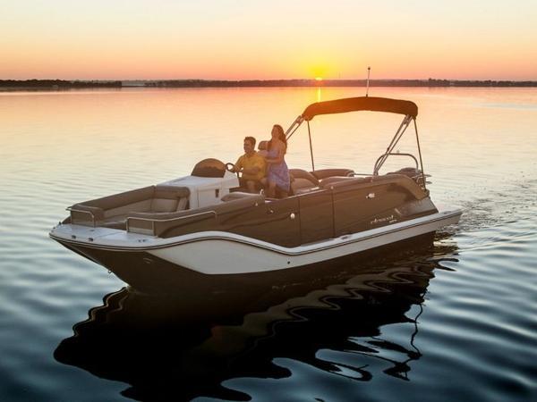 2020 Bayliner boat for sale, model of the boat is Element XR7 & Image # 5 of 43
