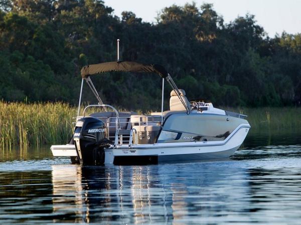 2020 Bayliner boat for sale, model of the boat is Element XR7 & Image # 6 of 43