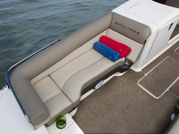 2020 Bayliner boat for sale, model of the boat is Element XR7 & Image # 10 of 43