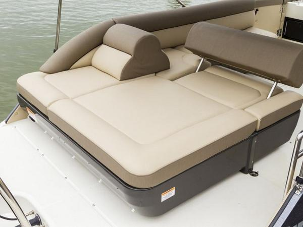 2020 Bayliner boat for sale, model of the boat is Element XR7 & Image # 11 of 43