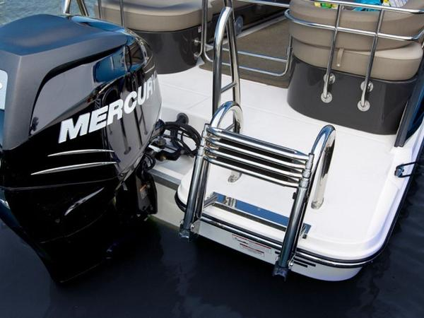 2020 Bayliner boat for sale, model of the boat is Element XR7 & Image # 12 of 43