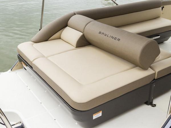 2020 Bayliner boat for sale, model of the boat is Element XR7 & Image # 16 of 43