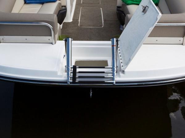 2020 Bayliner boat for sale, model of the boat is Element XR7 & Image # 18 of 43