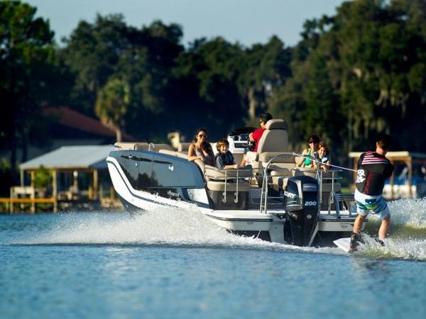 2020 Bayliner boat for sale, model of the boat is Element XR7 & Image # 19 of 43