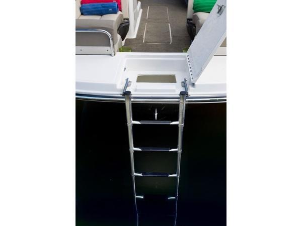 2020 Bayliner boat for sale, model of the boat is Element XR7 & Image # 21 of 43
