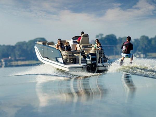 2020 Bayliner boat for sale, model of the boat is Element XR7 & Image # 22 of 43