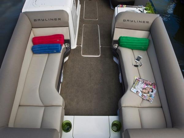 2020 Bayliner boat for sale, model of the boat is Element XR7 & Image # 26 of 43
