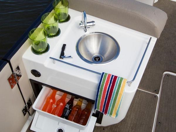 2020 Bayliner boat for sale, model of the boat is Element XR7 & Image # 29 of 43