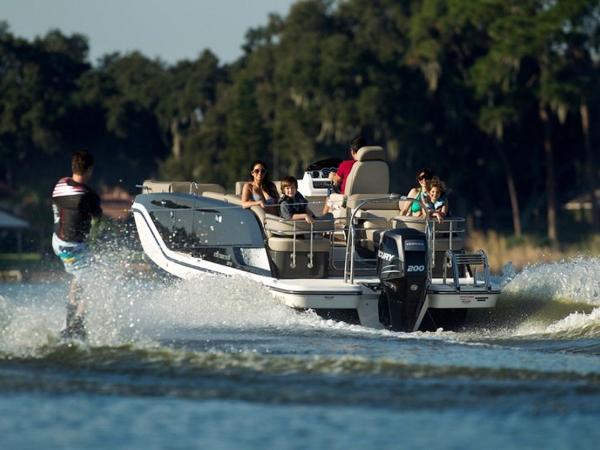 2020 Bayliner boat for sale, model of the boat is Element XR7 & Image # 33 of 43