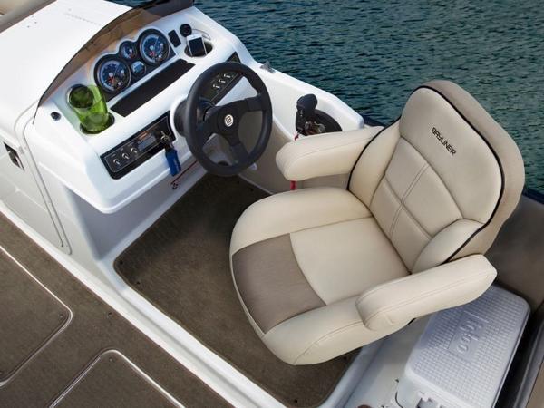 2020 Bayliner boat for sale, model of the boat is Element XR7 & Image # 36 of 43