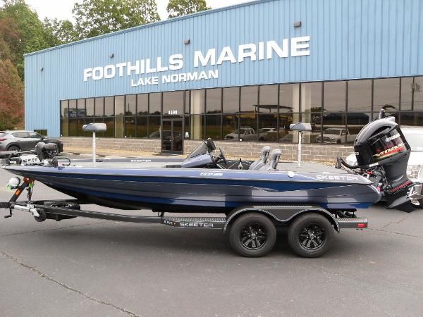 2021 Skeeter boat for sale, model of the boat is ZXR 20 & Image # 1 of 34
