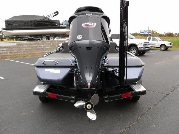 2021 Skeeter boat for sale, model of the boat is ZXR 20 & Image # 6 of 34