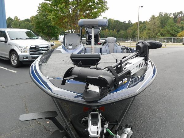 2021 Skeeter boat for sale, model of the boat is ZXR 20 & Image # 7 of 34