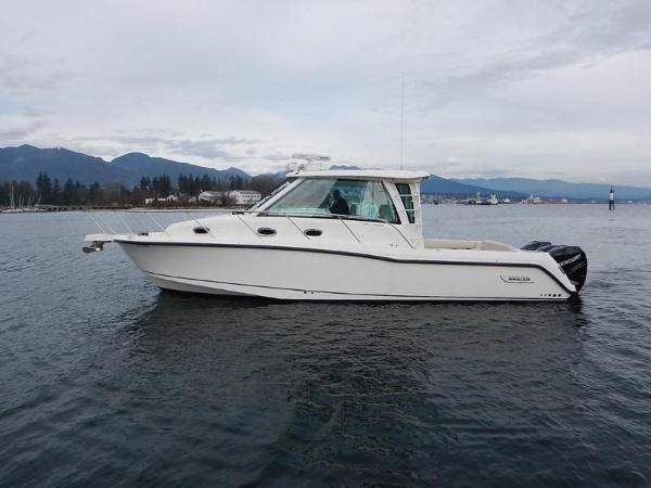 2020 Boston Whaler boat for sale, model of the boat is 345 Conquest Pilothouse & Image # 7 of 31