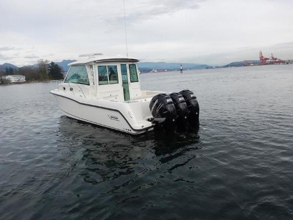 2020 Boston Whaler boat for sale, model of the boat is 345 Conquest Pilothouse & Image # 11 of 31