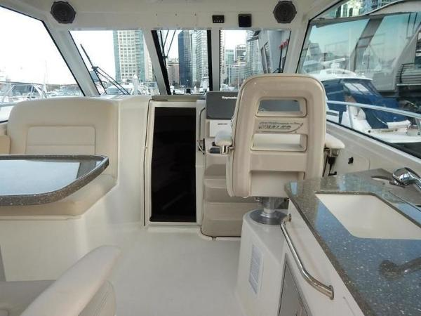 2020 Boston Whaler boat for sale, model of the boat is 345 Conquest Pilothouse & Image # 13 of 31