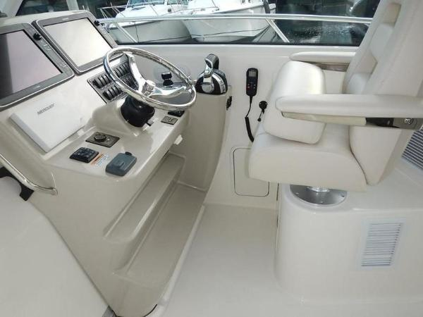 2020 Boston Whaler boat for sale, model of the boat is 345 Conquest Pilothouse & Image # 24 of 31
