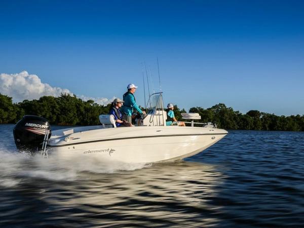 2020 Bayliner boat for sale, model of the boat is T18Bay & Image # 2 of 45