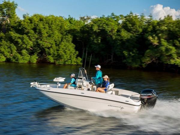 2020 Bayliner boat for sale, model of the boat is T18Bay & Image # 3 of 45