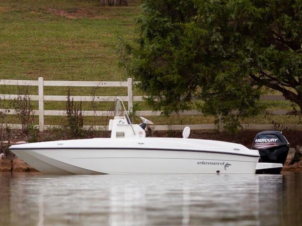 2020 Bayliner boat for sale, model of the boat is T18Bay & Image # 15 of 45