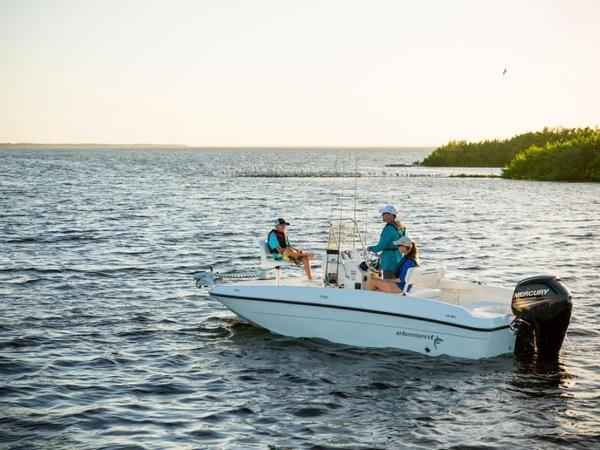 2020 Bayliner boat for sale, model of the boat is T18Bay & Image # 17 of 45