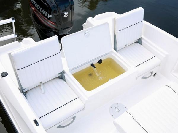 2020 Bayliner boat for sale, model of the boat is T18Bay & Image # 39 of 45