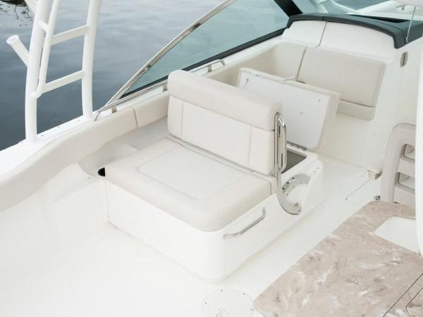 2020 Boston Whaler boat for sale, model of the boat is 270 Vantage & Image # 14 of 51
