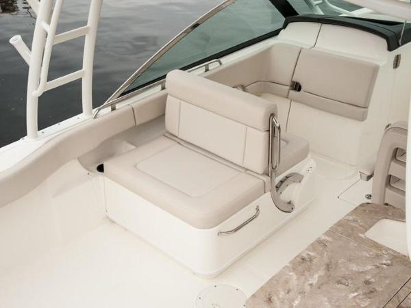 2020 Boston Whaler boat for sale, model of the boat is 270 Vantage & Image # 32 of 51