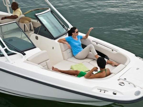 2020 Boston Whaler boat for sale, model of the boat is 270 Vantage & Image # 33 of 51