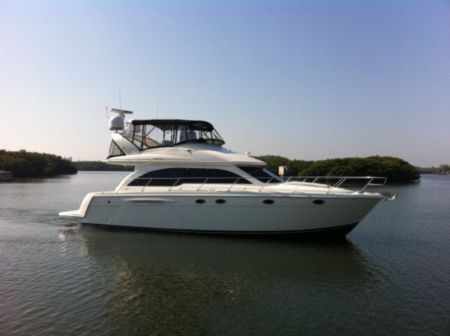 Meridian Sedan Bridge Motor Yachts. Listing Number: M-3754104