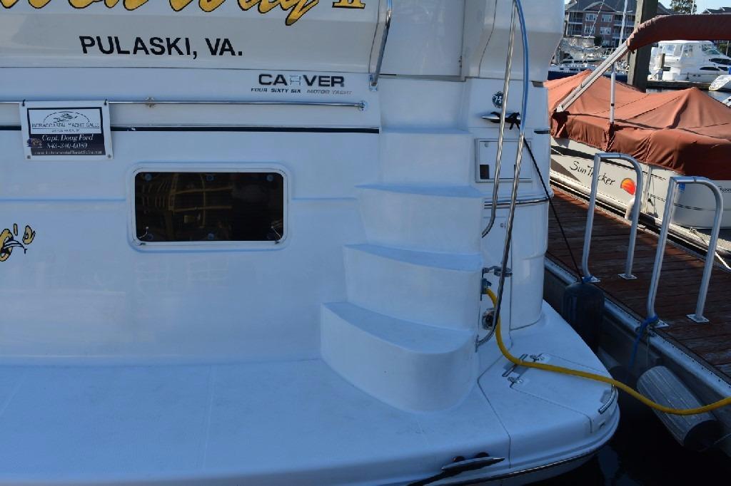 Carver 466 Motor Yacht - Swim Platform