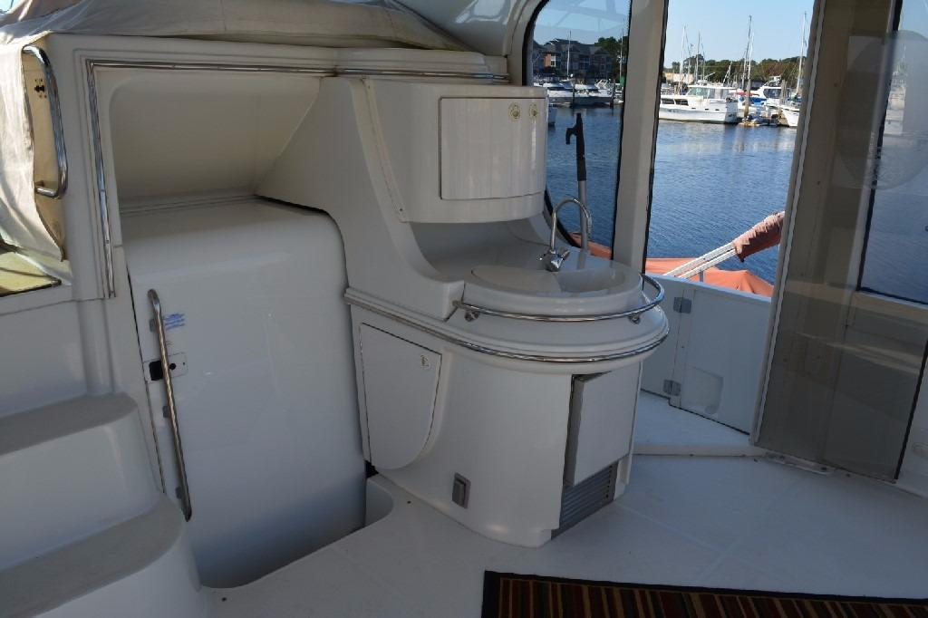 Carver 466 Motor Yacht - Aft Deck to Starboard