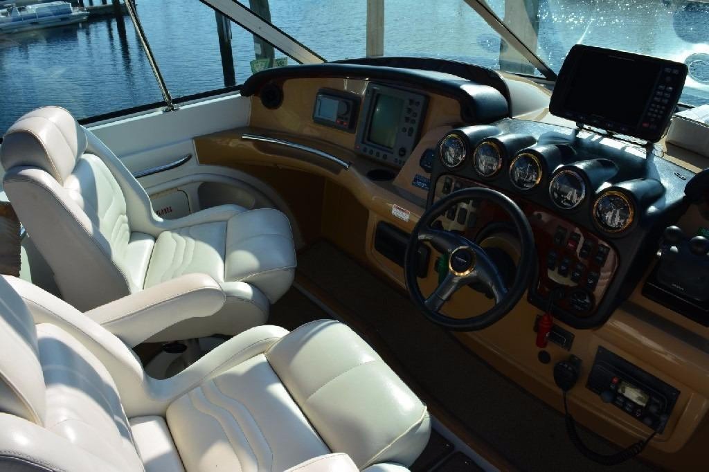 Carver 466 Motor Yacht - Helm to Port