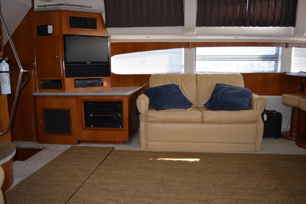 Carver 466 Motor Yacht - Entertainment Center