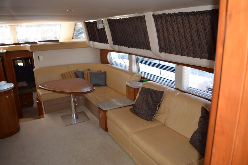 Carver 466 Motor Yacht - Salon to Starboard